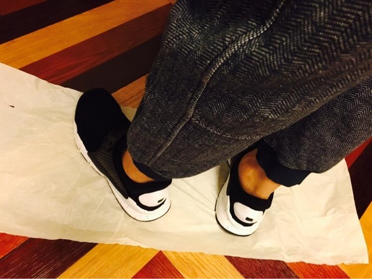 都是轻便透气,袜子和NMD你选哪个?