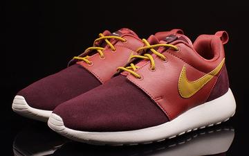 砖红色运动鞋搭配