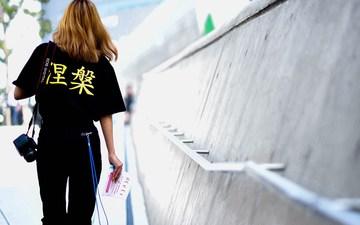 来看看中国与韩国的时装周,潮人都穿啥?