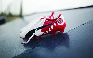 PUMA推出evoSPEED签名款球靴引爆马德里德比热潮