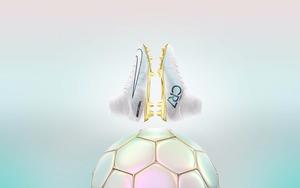 耐克发布C罗第四座金球奖纪念战靴:CR7 VITóRIAS