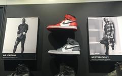 三色Air Jordan 1 Rare Air、全红Jordan Melo M13 等鞋款现已上架国内店铺