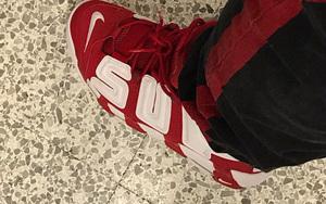 A$AP Bigga晒Supreme x Nike Air More Uptempo上脚图