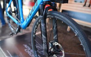 FOX专为Gravel Bike打造了一支前叉