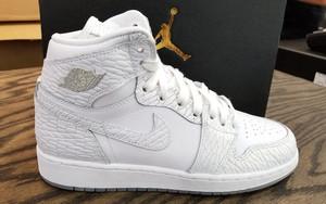 "又一双""Frost White"" -Air Jordan 1 Retro High GS ""Frost White"" 曝光"