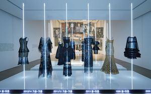 "Chanel 于韩国举行""Mademoiselle Privé""展览"