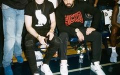 不错哟!Drake 上脚 OFF-WHITE x Nike Air Max 90