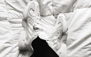 平价老爹鞋,adidas 最新复古鞋款 Yung-1 上脚近赏