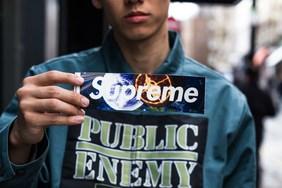 直击 Supreme x UNDERCOVER x Public Enemy 三方联名系列伦敦发售现场