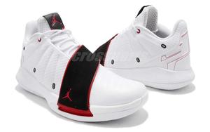 白黑红装扮!Jordan CP3.XI 推出全新火箭主场配色!