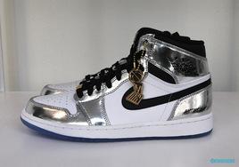 实物首次释出!这款 Blingbling 的 Air Jordan 1 本月底发售!