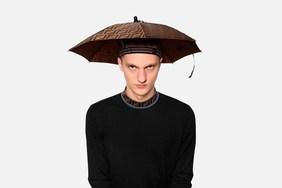 怪我不懂时尚,Fendi 雨伞帽子正式上架!