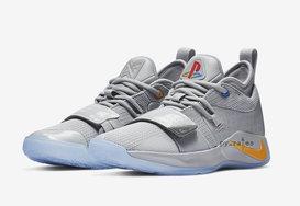 除了白色版本,PlayStation x Nike PG 2.5 还有灰色 GS 版本!