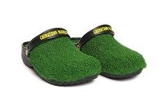 仿佛踩在草坪上!Chinatown Market x Crocs 联名拖鞋即将来袭