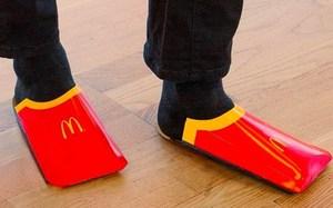 """反致敬 Balenciaga ?麦当劳也许会推出""""薯条盒鞋"""""""