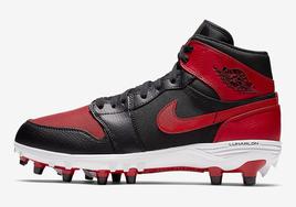 打橄榄球也要穿AJ1, Air Jordan 1 钉鞋系列发布