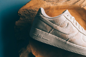 高規格的綢緞鞋面!Air Force 1 全新配色套裝現已發售