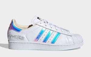 这两款小白鞋好帅啊!adidas 将推出全新配色 Superstar 和 Stan Smith