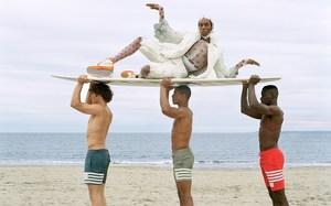 有点搞怪!Thom Browne 全新海滩主题系列单品揭晓