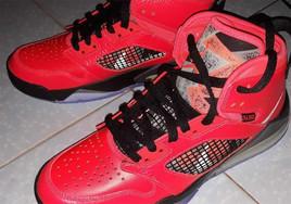 "PSG 系列還有一款聯名鞋款!全新的 Jordan Mars 270""PSG"" 首次曝光"