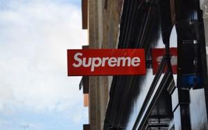 Supreme 被盗招牌被拍卖了?这种挑衅行为你怎么看