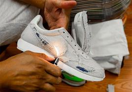 可以烧的鞋面!全新《怪奇物语》x Nike鞋型曝光