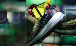 只送不卖!《赛博朋克 2077》打造超限量 Nike Air Max 720 SATRN