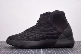 全黑配色颜值更高?Yeezy篮球鞋新配色实物图曝光