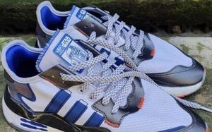 机器人 R2-D2 灵感!《星球大战》x adidas Nite Jogger 全新联名即将登场
