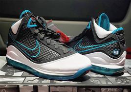 还有 OG 鞋盒!Nike LeBron 7 经典红毯配色月底回归