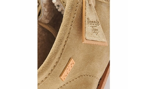 高规格之作!Ronnie Fieg x Clarks Originals 全新联名鞋款曝光