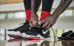 本月来袭!欧文最新签名鞋 Kyire 6 官图释出,你准备入手吗?
