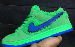 毛茸茸的鞋身!全新 Nike SB Dunk Low 吸睛度爆棚