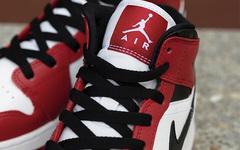 """""""小芝加哥""""既视感?这款 Air Jordan 1 Mid 你觉得如何?"""