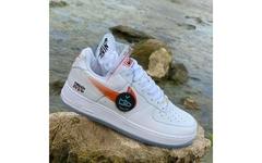 """选择黑色还是白色?KITH x Nike Air Force 1""""NYC""""全新白色版首度曝光!"""