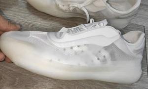 PRADA x adidas 全新联名首度曝光!这次设计如何?