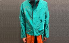 与市售版比如何?Kiko Kostadinov 曝光与 C.P. Company 联名夹克的样衣!