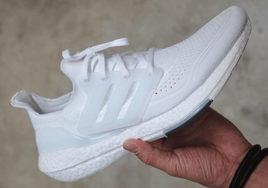"""人气纯白配色!adidas Ultra Boost 2021""""Triple White""""即将市售!"""