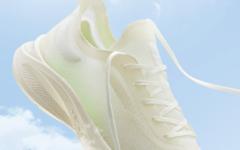 """夏日必备""""空气""""跑鞋?创 WRCA 世界纪录的安踏氢跑 Zero 发售!"""