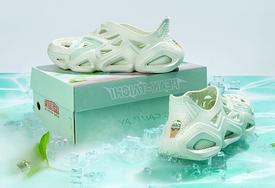 薄荷甜筒配色!这双京东 x 态极洞洞鞋看着就冰爽!