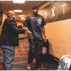Kanye West Sunday Service 徽章字母短袖