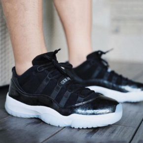 "Air Jordan 11 Low ""Barons"" 大魔王  528895-010"