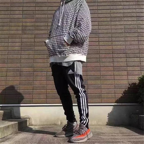 Adidas 经典黑白 男子三条纹直筒裤 BK7446
