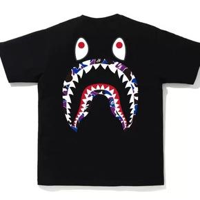 BAPE 香港限定背后鲨鱼T恤短袖