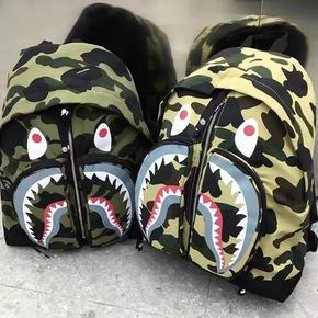 BAPE 黄绿迷彩鲨鱼双肩包