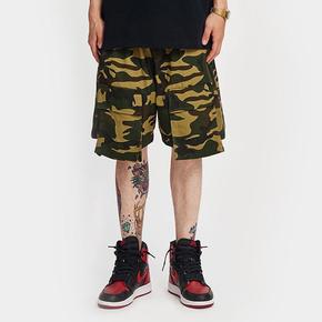 BTW夏季新款高街嘻哈抽绳五分裤男个性潮牌宽松立体口袋迷彩短裤 BK220