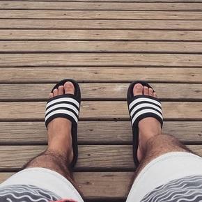 Adidas Duramo Slide 运动防水拖鞋 AP9971