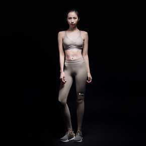 Monster Guardians 女子中强度支撑含胸垫专业运动内衣运动文胸(21)251730 B00008