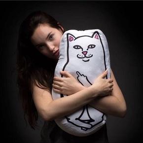 RIPNDIP Lord Nermal Pillow 中指猫贱猫 抱枕