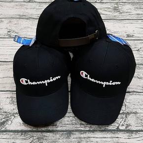 Champion 冠军经典刺绣草写皮扣可调节男女款鸭舌帽子 H0543